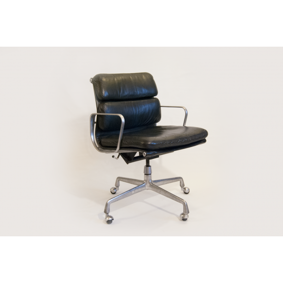 Fauteuil Eames Soft Pad EA217 - Cuir Noir - Livraison Offerte